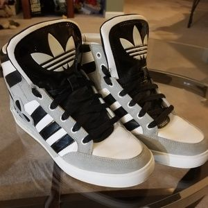 Adidas High Tops Big kids 7/Womens 9
